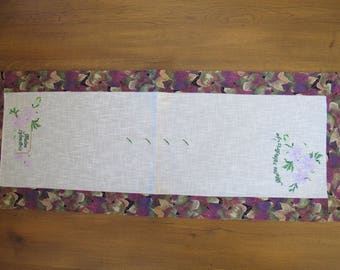 "Table runner embroidered ""tea time"""