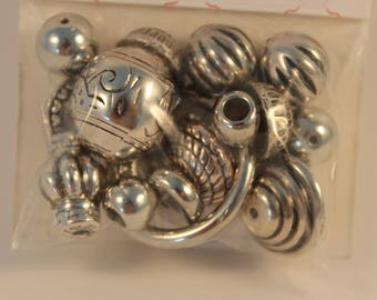 Assortment of 21 beads shiny silver metal - Ref 5072-03