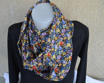 snood of cotton and polyester printed flower