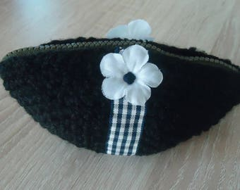 coin purse with a pretty lace