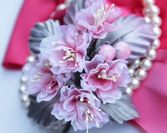 Sakura flower brooch Sakura pin Pink floral hat pin Cherry blossom brooch Japanese cherry Bridesmaid corsage Gift for her Mother corsage