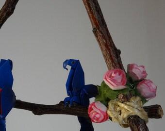 Arara origami mobile