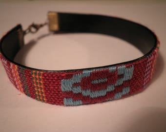 01868 - Bracelet-woven red and multicolor