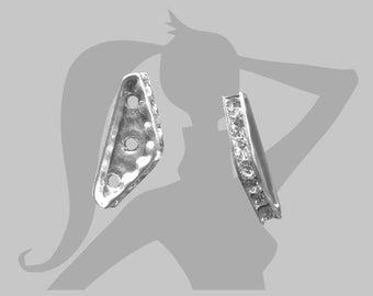 Séparateur Intercalaire barrette triangulaire strass 22mm 3 trous métal argenté et cristal