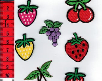 7 badges fruit (cherries/grapes/strawberries) assorted iron or sew on Patch Applique