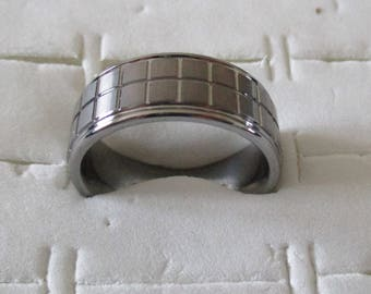Tungsten men ring