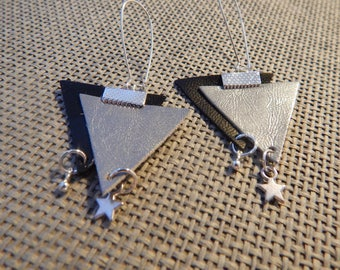 Duo triangles leather pendant and silver metal earrings