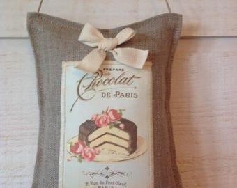Pillow door chocolate cake
