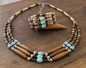Bracelet triple strand wooden