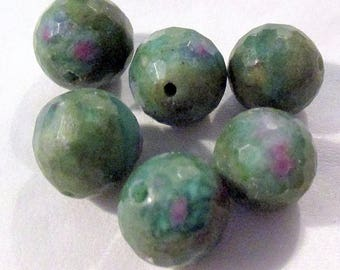 Ruby Fuchsite - ref7753 - drilled - faceted - 12mm - 6 x - €10.89