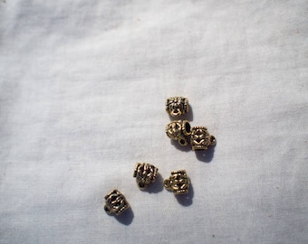 Gold steampunk pendant connector