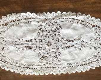 Tablecloth Vintage table Runner of linen with Dentelle de Luxeuil. Vintage Runner chemin de table ancien