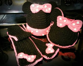 Minnie mouse scarf, hat and pocketbook