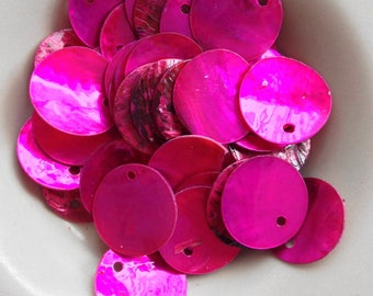 A set of 5 sequins round mother of Pearl iridescent shell, 18 mm pink Fuchsia (F55)