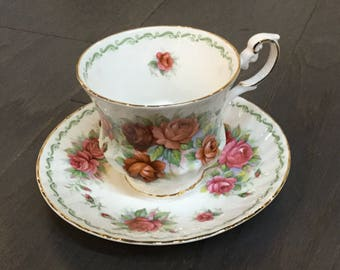 "Rosina Bone China Teacup ""Rose"" Queens Special Flowers Collection"