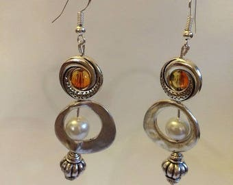 Earrings Silver earrings with orange Crackle glass beads and pearls