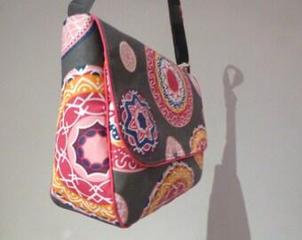Handbag bag adjustable shoulder strap 100% hand made grey and pink laminated cotton