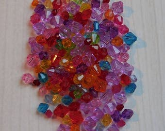 Set of 15g of colorful acrylic bicone beads