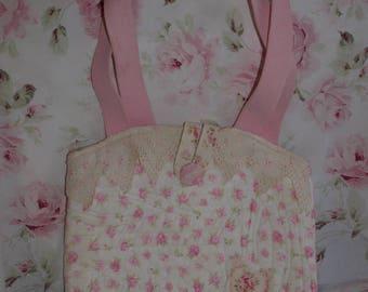 BEAUTIFUL BAG HAS HANDMADE SHABBY CHIC