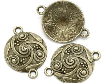 2 ethnic bronze round connectors
