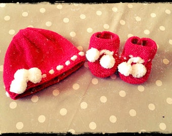Set hand made hat and booties newborn