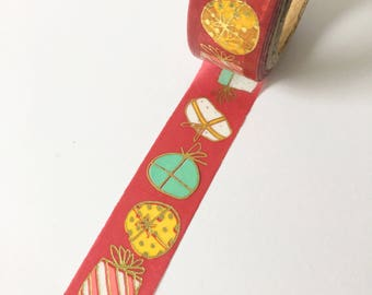 Cute wrapping washi tape with gifts pattern // Decoration Festive Giftwrapping Red Adhesive Masking Bullet Journal presents gold