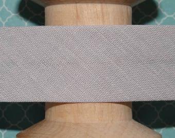 Light grey stitching through the meter - 304 130-