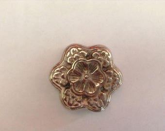 Resin argentė metal flower connector