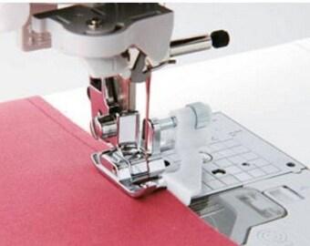 PP022 - Presser foot has clipped, blind hem