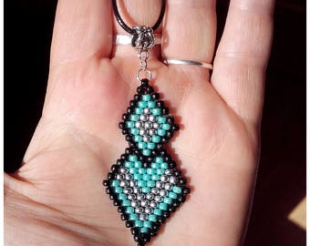 Woven etnhique etnhique diamonds pendant
