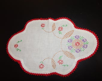 Vintage Doily Table Runner Small