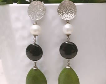 Green drop earrings. White pearl earrings. Long pendants with black onyx. Baroque Pearls. Earrings in silver. Handmade. Gift Woman