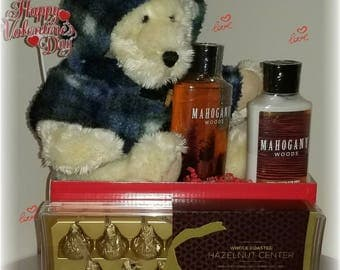 Valentine's Day bath and body works gift for men