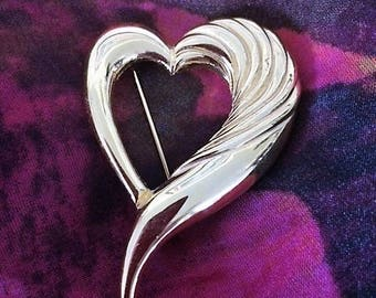 Vintage Gold Heart Brooch