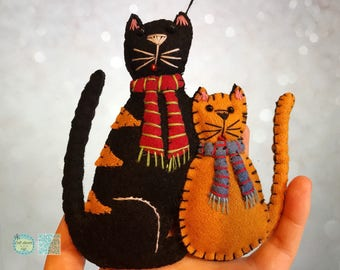 handmade cat Christmas Handcrafted felt Christmas tree decoration / black and yellow cats /primitive cat decoration /cat lover gift