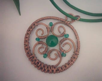 Copper pendant with green aventurine and Crystal