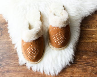 SHEEPSKIN slippers for women LEATHER moccasins fur warm winter shoes brown footwear suede leather slippers with sole shearling women gift