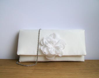 Ivory clutch bag . Bridal clutch bag . Bridesmaid clutch bag . Winter wedding clutch bag . Duchess satin clutch bag . Zip pocket .
