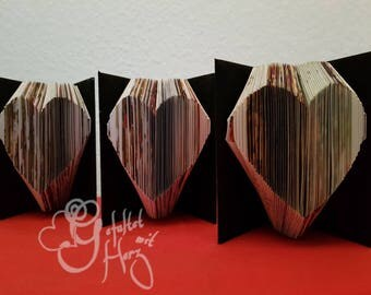 Folded mini-card with heart as a small gift for everyone