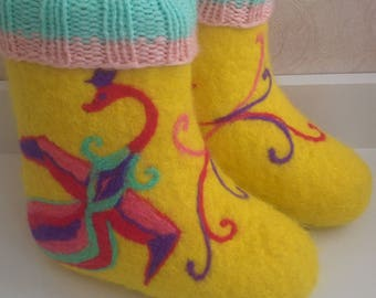 Yellow felt boots for child