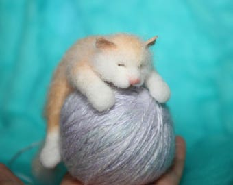 OOAK/Needle Felted /Miniature/ sculpture/ cat/ Christmas/ handmade /gift