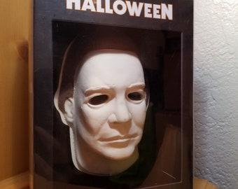 Halloween 30th Anniversary Commemorative Set Rare