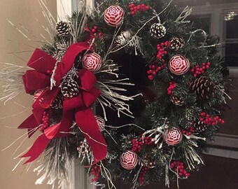 Red/White Holiday Wreath