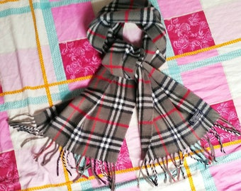 Vintage 80s Burberrys Nova Check 100% Lambswool scarve Made in England