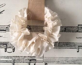 4 inch muslin rag wreath