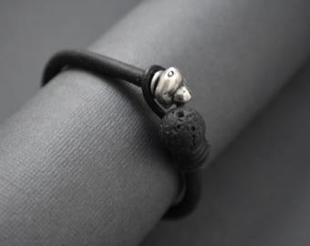 Bracelet-black leather-silver-volcanic bead