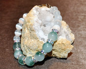 Green Agate and White Cats Eye Bracelet
