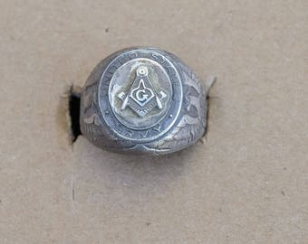 Vintage Sterling Silver US Army Masonic ring size-9.   E19