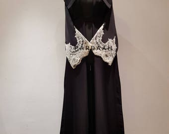 Abaya in Black with white lace on Nida material.