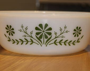 Glasbake Green Daisy Casserole Dish